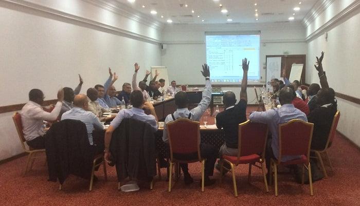 (CIO MAG) – Cio Africa Network, la Fédération africaine des clubs de directeurs de systèmes d'information (DSI), est née au cours d'une réunion tenue jeudi 19 octobre 2017 à la Medina Yasmine Hammamet, en Tunisie, au terme de la 4e édition du Forum international des DSI 2017. Partenaire stratégique du CIO Africa Network, le magazine des professionnels IT, CIO Mag, était représenté à cette rencontre par Mohamadou Diallo, son Directeur Général qui a contribué à la création de plusieurs clubs DSI en Afrique. Porter la vision des clubs DSI Rassemblés au sein de cette faîtière, une trentaine de DSI en provenance du Gabon, de la Tunisie, du Maroc, du Congo, de la RDC, de la Côte d'Ivoire, du Mali, du Sénégal, du Bénin, du Burkina Faso et du Togo. Ils visent désormais le même objectif : contribuer efficacement à la transformation numCio Africa Network, la Fédération africaine des DSI est néeues de digitalisation.
